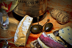 The romance of Brie, wine & beef - h71