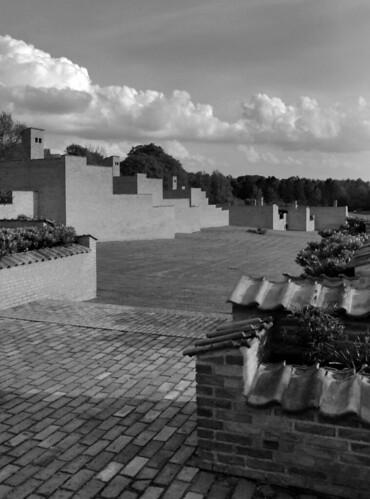houses brick architecture modern landscape community creative modernism commons courtyard jorn cc architektur housing walls arkitektur fredensborg jørnutzon utzon cohousing jørn additive seierseier fredensborgshusene