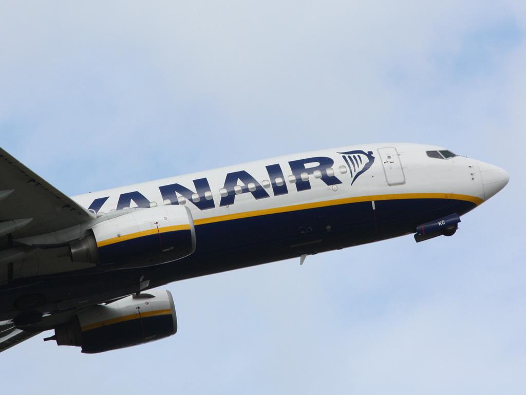 EI-EKC - B738 - Ryanair