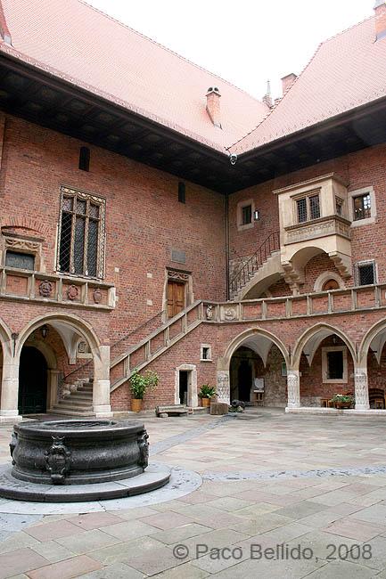 Patio del Collegium Maius. � Paco Bellido, 2008