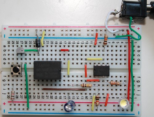 Toggle switch using 555 BuildCircuit Electronics