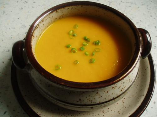 Heißes Karottensüppchen