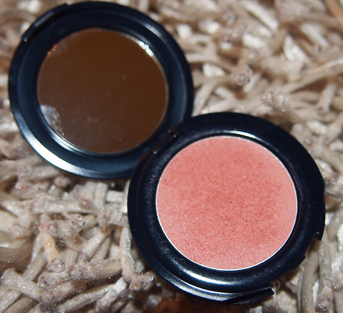 liz earle cream blusher