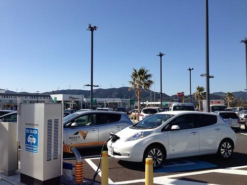浜松SA(下り)の電気自動車急速充電器