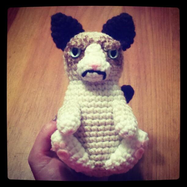 Grumpy Kitty Cat Crochet Pattern - PDF | Figur | 612x612