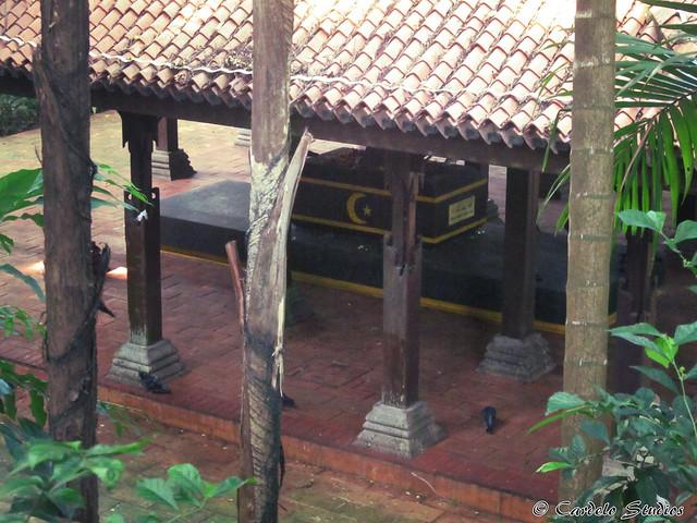 Fort Canning - Keramat Iskandar Syah 02