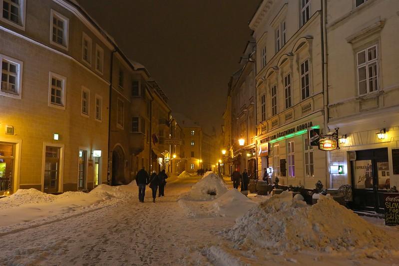 Центр Братиславы как дорогая бутафория в 3D E66A0992