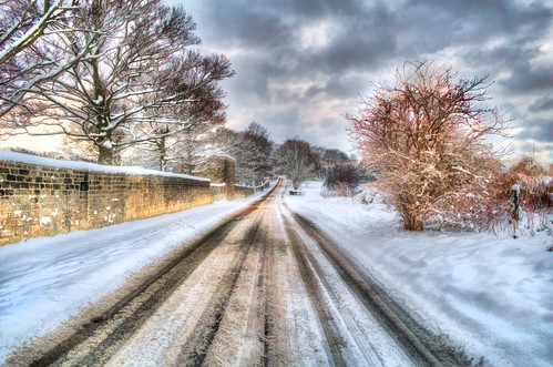 road trees winter sky snow cold leaves stone wall clouds landscape oak nikon raw moody perspective tracks lane stony icy hdr snowscape snowscene tyretracks 3xp handheldhdr nikond5000