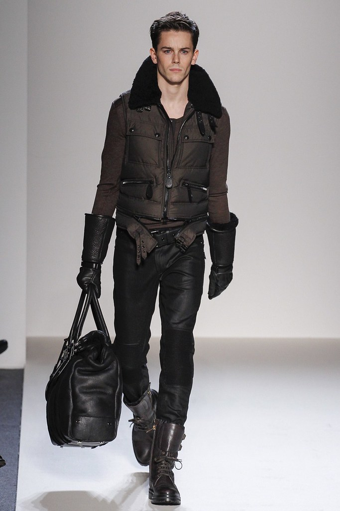 FW13 Milan Belstaff007_Jeremy Young(VOGUE)