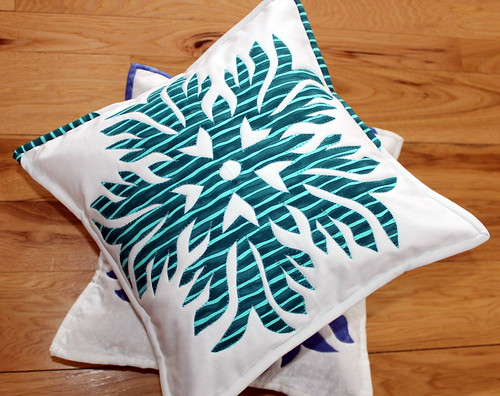 Kiragami Flake Pillow
