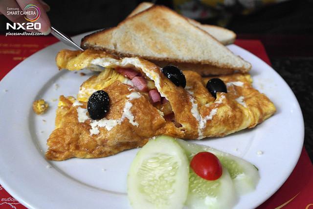 mondo cafe italian breakfast