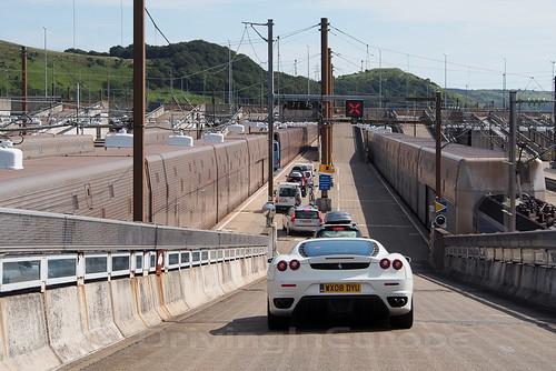 ユーロトンネル カートレイン搭乗プラットフォーム