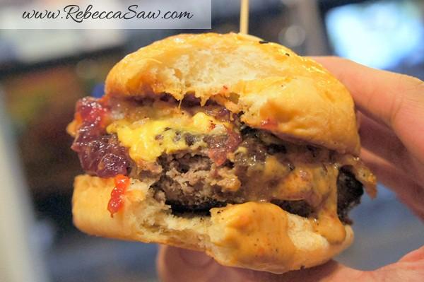 Burger Junkyard-003