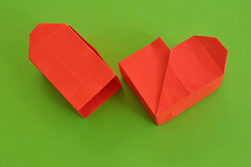 Les p 39 tits papiers projet origami 100 boite en forme de c ur - Origami boite coeur ...