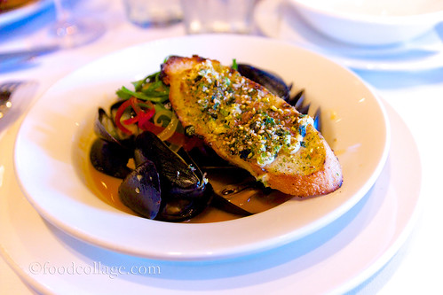 Steamed Mussels at Emeril's (New Orleans)