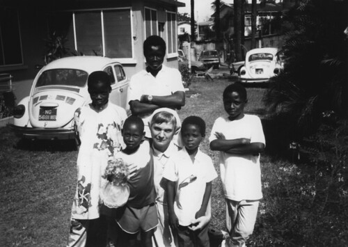 1985. Maud Murphy SSL with children in Lagos