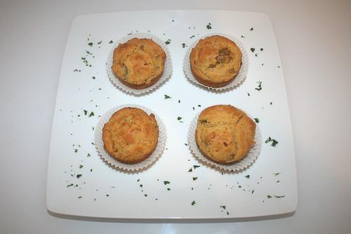 31 - Gyros-Tzatziki-Muffins - Serviert / served