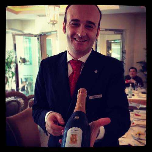 Buongiorno! Some Prosecco to start your Sunday Brunch? #Bubbly #brunch
