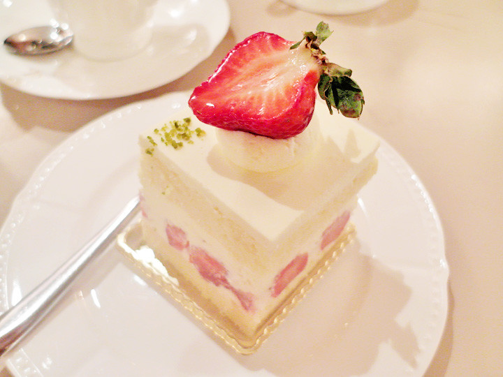 strawberry shortcake at Antoinette