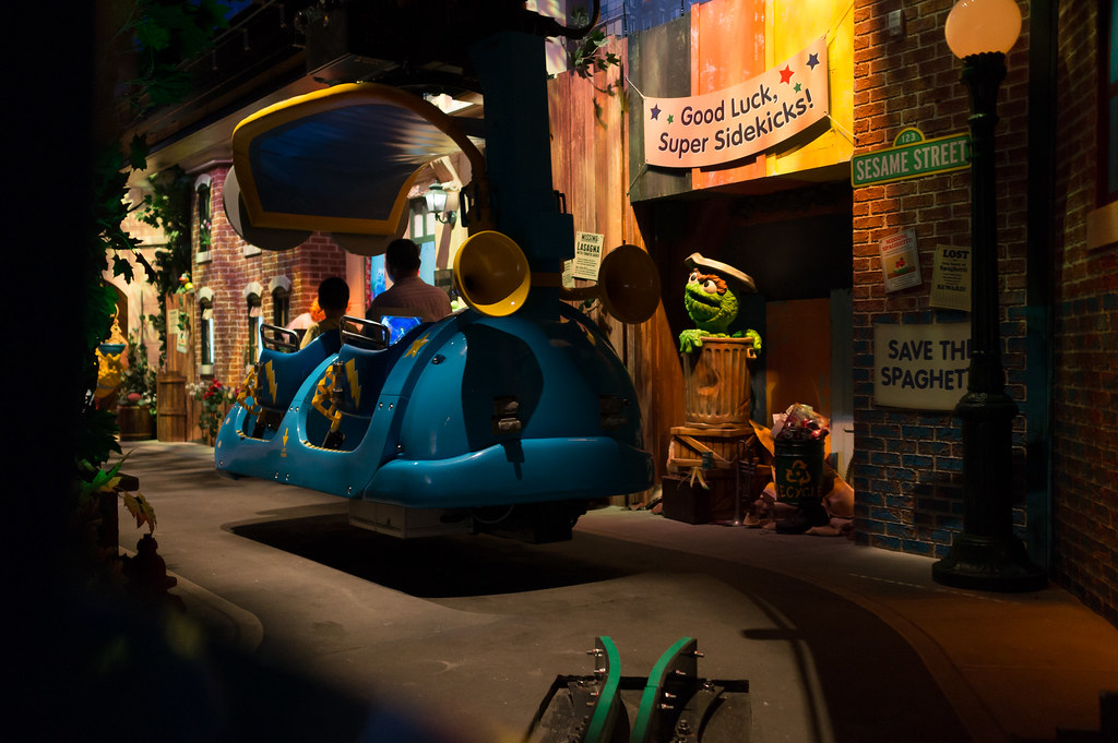[On-Ride Photo] Spaghetti Space Chase - Entering Sesame Street