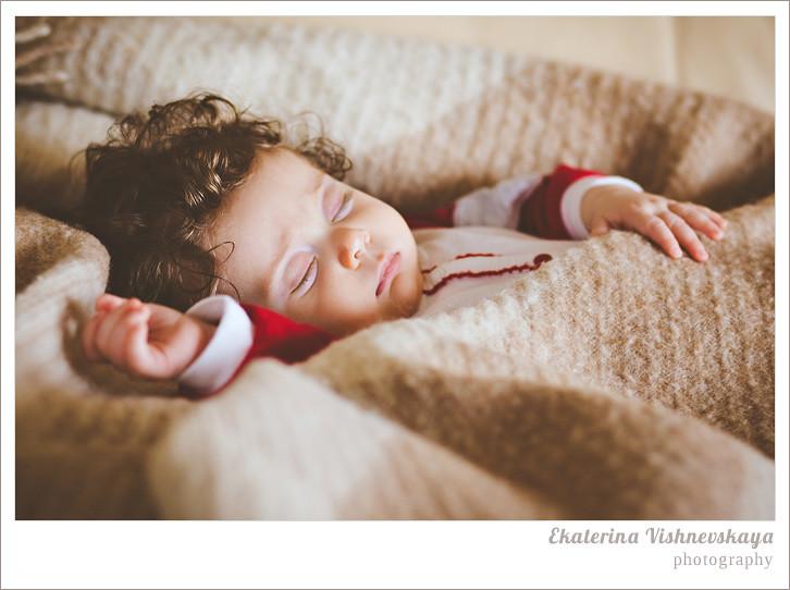 фотограф Екатерина Вишневская, хороший детский фотограф, семейный фотограф, домашняя съемка, студийная фотосессия, детская съемка, малыш, ребенок, съемка детей, сон, ребёнок спит, фотограф москва