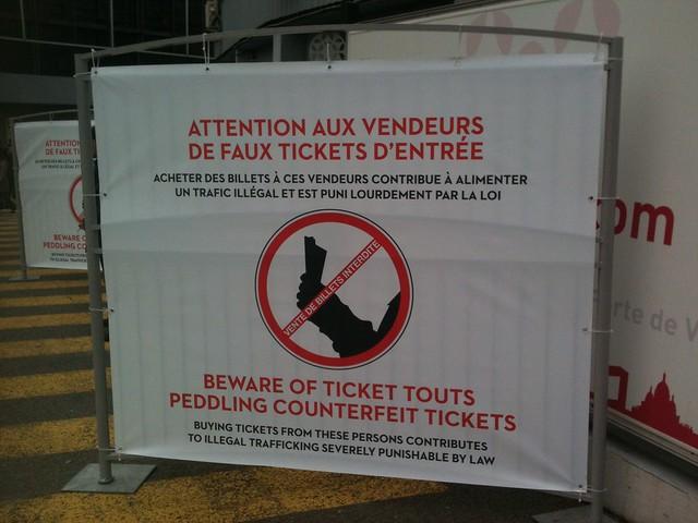 Salon du Livre de Paris 2013 : vendeurs de faux tickets
