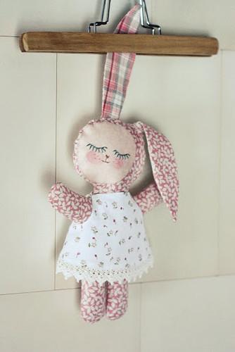 Sleepy bunny No 17