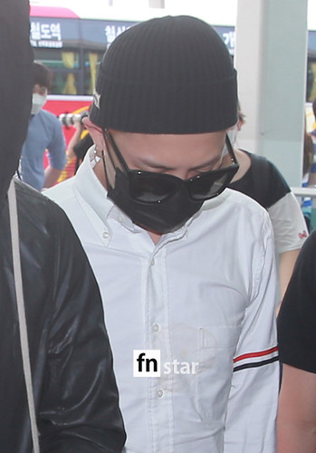 BIGBANG Incheon Airport to Shanghai Press 2015-06-19 032