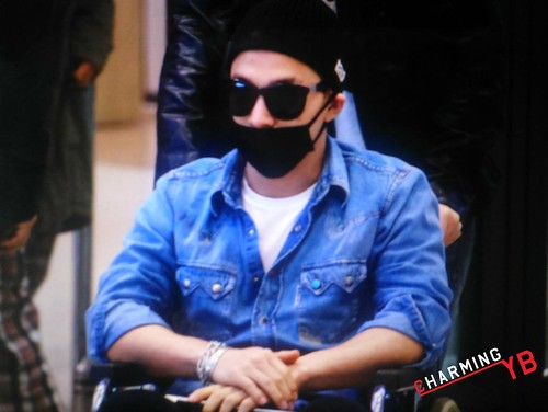 Big Bang - Incheon Airport - 10apr2015 - Tae Yang - charmingyb - 02