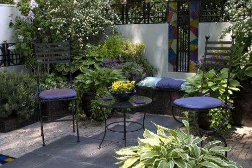 Jardineros en acción - Diseñar un jardín en el balcón