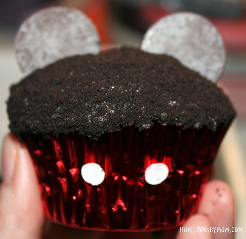 8488018586 7c88c833a1 How to Make Mickey Mouse Cupcakes (Two Ways)