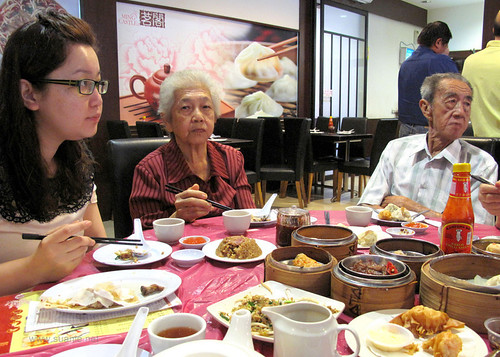 Suanie's Chinese New Year 2013 - breakfast with grandparents