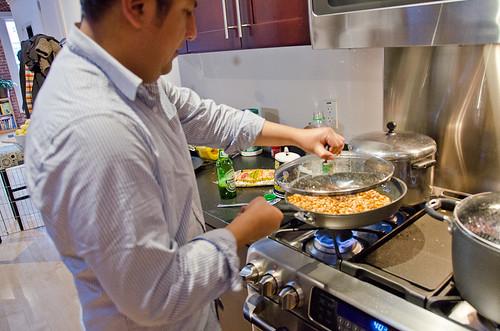 Peruvian Dinner - Frying canchitas