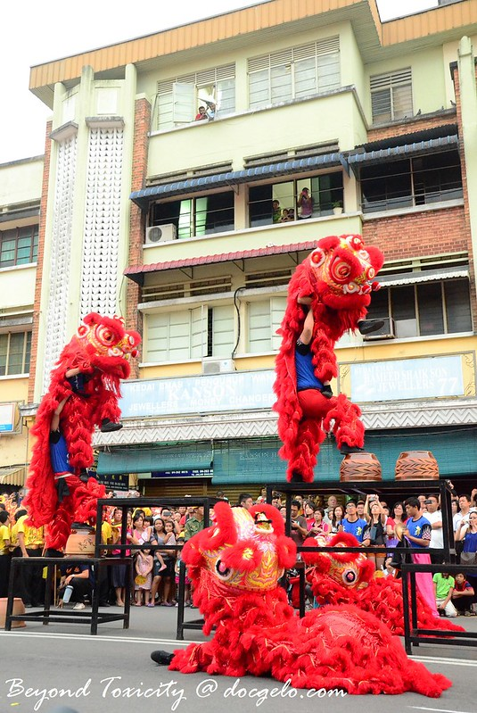 lion dance on stilts, george town, penang cny 2013