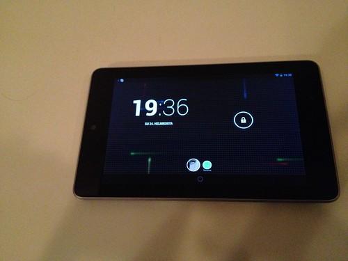 Lukitusnäyttö Nexus 7:ssa