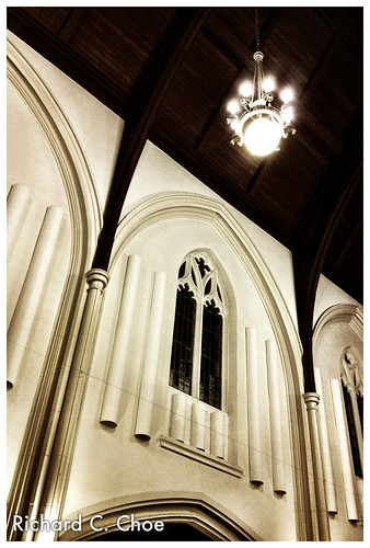 Kingston Road United Church 1 (2013, 2.25) by rchoephoto