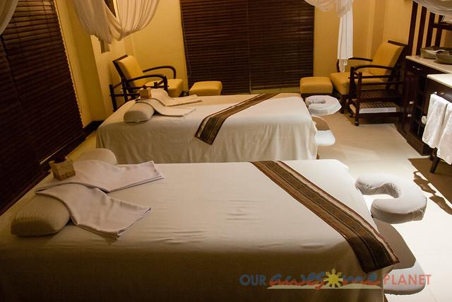 Taal Vista Hotel-73.jpg
