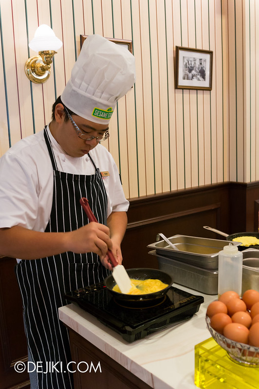 Sesame Street Character Breakfast at Universal Studios Singapore - Omelette Bar