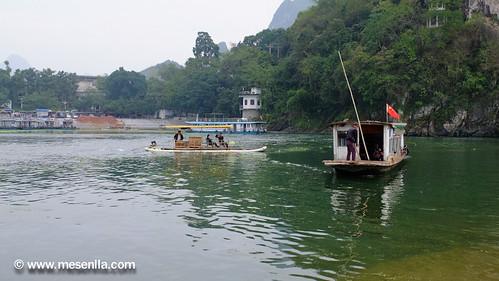 Pas de barca al riu Li, Xinping