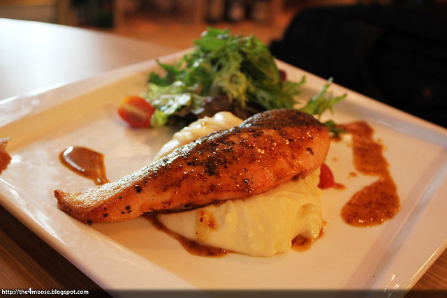 Kitchenette - Pan-Seared Salmon