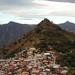 Santa María Temaxcalapan y el pico atrás, Districto Villa Alta, Región Sierra Juárez, Oaxaca, Mexico por Lon&Queta