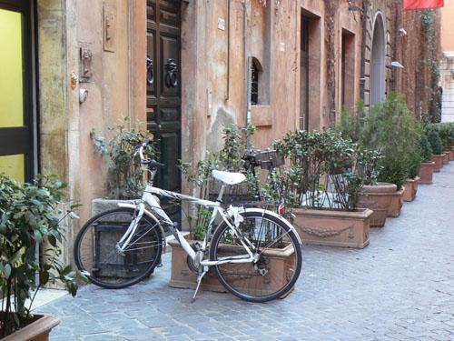 vélo via margutta.jpg