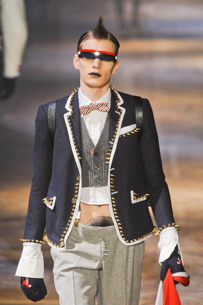 Ollie Mann3002_FW12 Paris Thom Browne(fashionising.com)