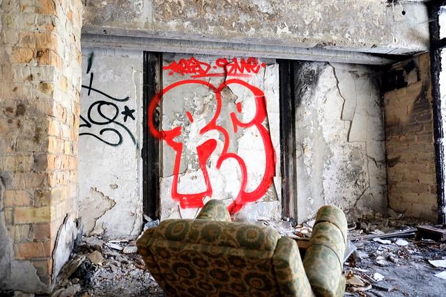die verlassene irakische botschaft - berlin