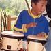 Niño tocando tambores en una fiesta de 15 años en San Pedro y San Pablo Ayutla, Región Mixes, Oaxaca, Mexico por Lon&Queta