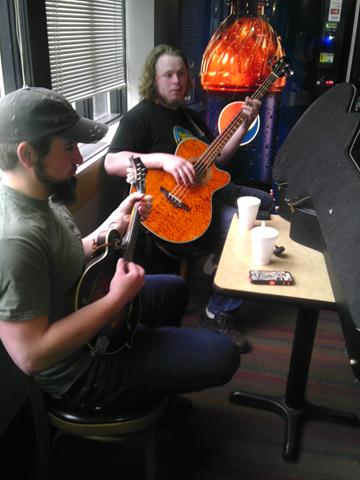Acoustic Juke Box