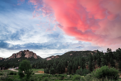 mammatuscloud landscape sunset cloudy mountains rockymountains pines mammatus clouds lionshead forest blue red lowerlakeranch storm peaks pink house colorado sky green ranch summer road pine unitedstates us