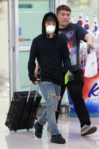 Big Bang - Gimpo Airport - 07jun2015 - Tae Yang - YB 518% - 06