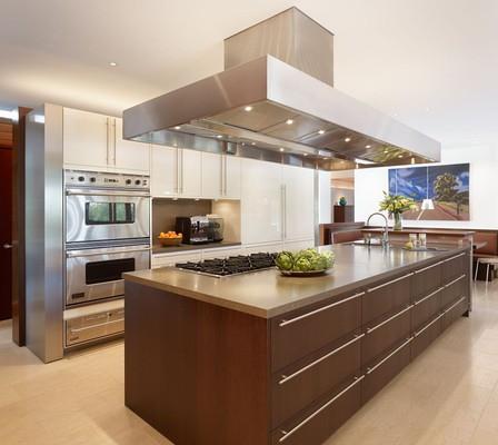 10 impresionantes ideas de dise o de isla central de - Cocinas en isla modernas ...
