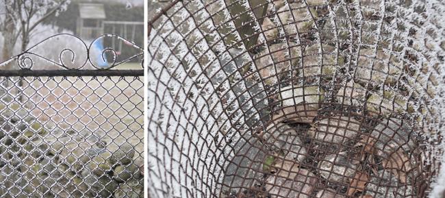 frostigt staket och korg